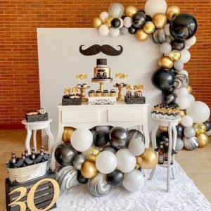 Como decorar una mesa de cumpleaños para adultos