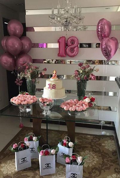 Decoración de cumpleaños para mujer sencilla