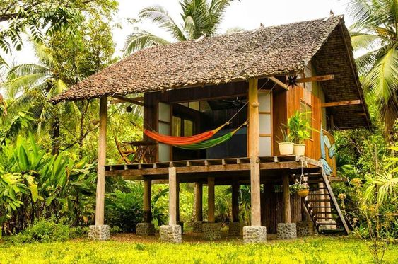 Diseño de pequeña casa en la selva