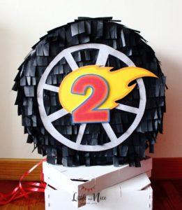 Piñata para fiesta de cumpleaños de hot wheels