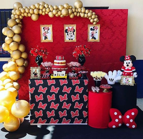 Decoración para piñata de Mickey Mouse