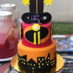 pastel para fiesta infantil increibles 1 y 2pastel para fiesta infantil increibles 1 y 2