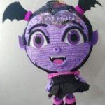 piñata para fiesta de vampirina