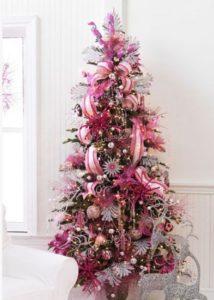 arboles de navidad decorados en rosa gold