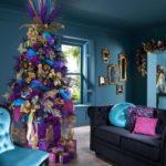 arboles de navidad naturales en azul cobalto