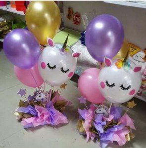 centros de mesa de unicornio con globos