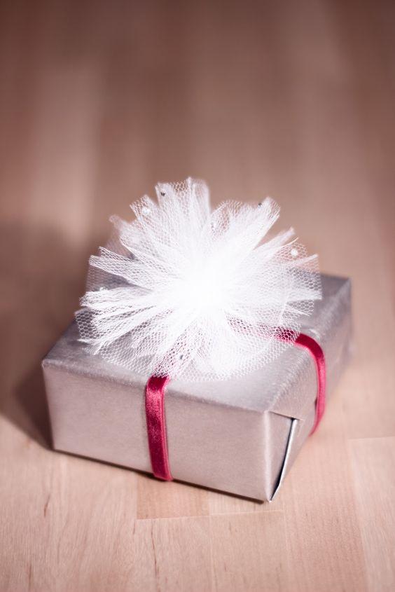regalos navideños en tul con cajas