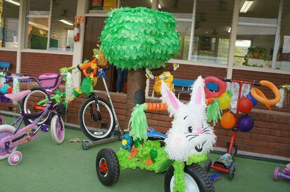 como decorar una bicicleta con papel crepe