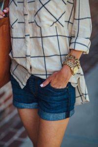 outfit con short de mezclilla