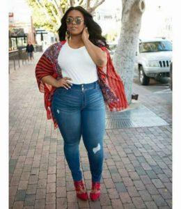 Outfits con blusas de moda para chicas talla grande