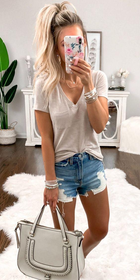 Outfits con shorts de mezclilla