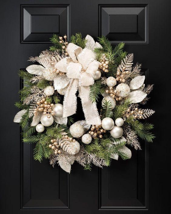Adornos navideños puerta principal 2019