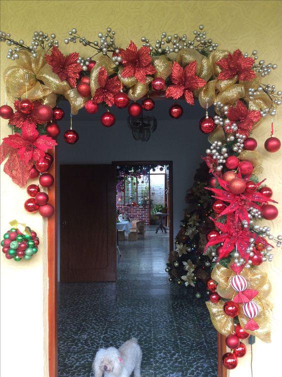 Adornos navideños puerta principal