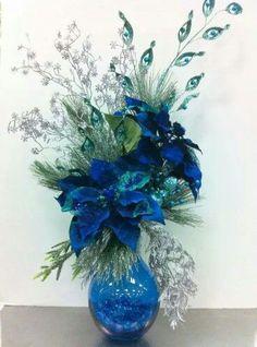 Adornos para Navidad con noche buenas azules