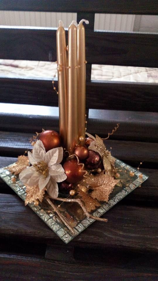 Adornos para navidad con noche buena en cafe