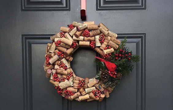 Arreglos para la entrada de la casa en navidad con material reciclado