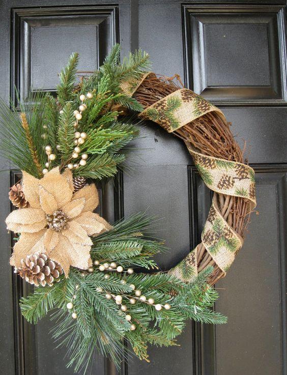 Arreglos para la entrada de la casa en navidad con noche buenas