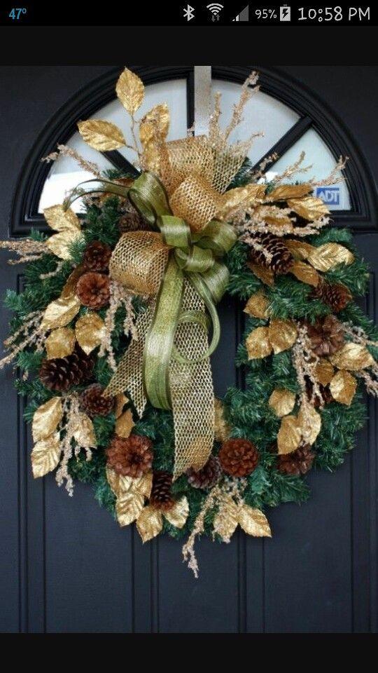 Arreglos para la entrada de la casa en navidad