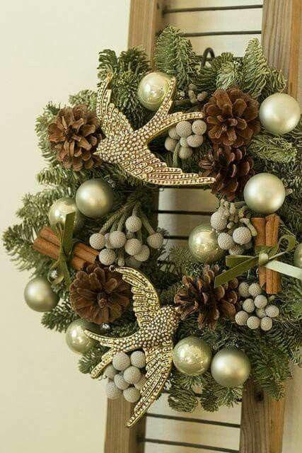adornos navideños para puerta de la entrada en dorado