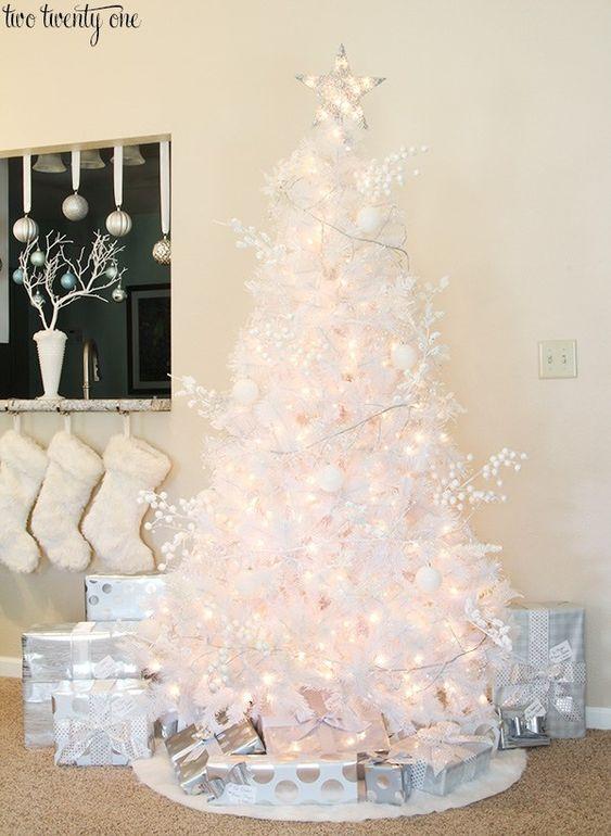 arbol de navidad en color blanco
