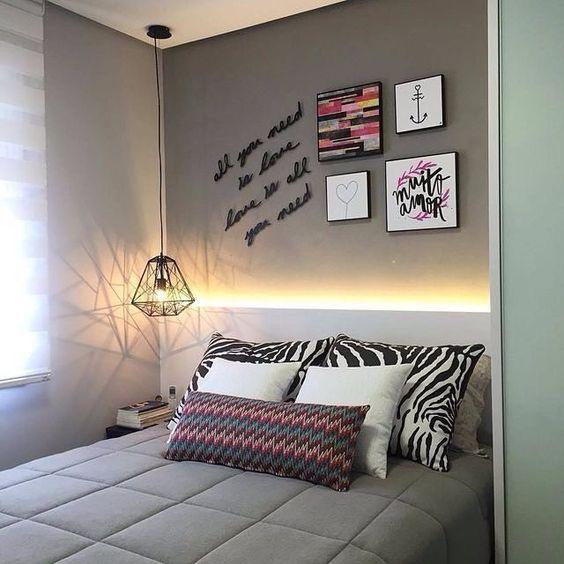 Decoración de cuartos pequeños para jóvenes mujeres