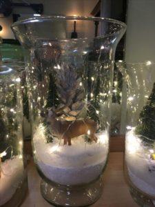 escenas navideñas en jarrones de cristal