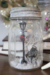 frascos de cristal con escenas navideñas