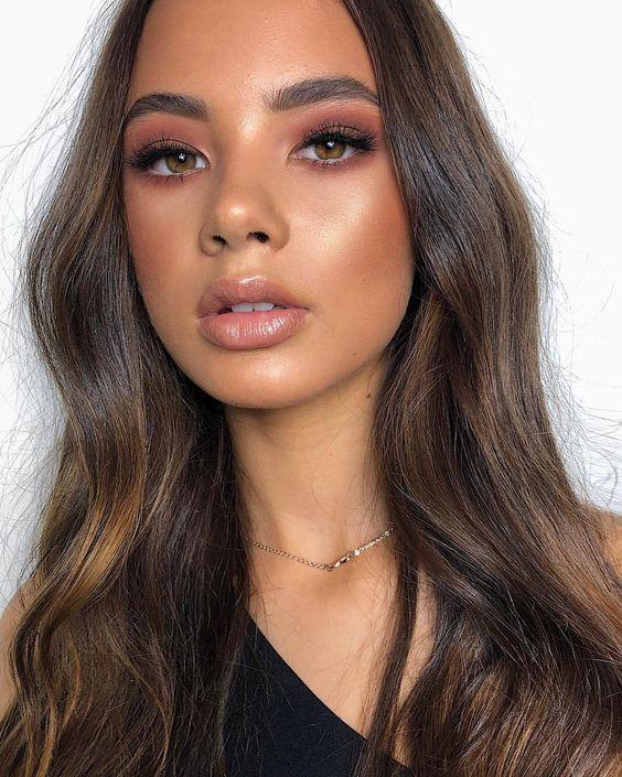 maquillaje natural para resaltar ojos marrones