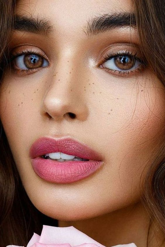 como pintar los labios cuando se busca un maquillaje natural