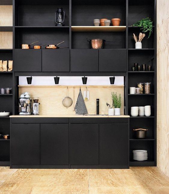 estantes de cocina abiertos elegantes