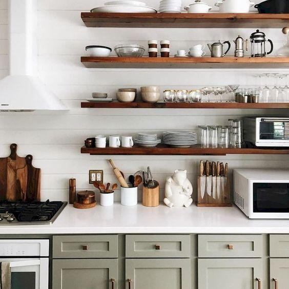estantes de cocina abiertos rusticos