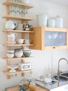 estantes de cocina abiertos sencillos