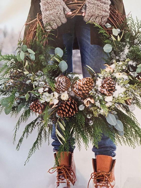 ideas para decorar coronas navideñas para casas de campo
