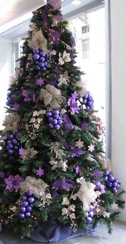 malla morada para decorar arboles de navidad