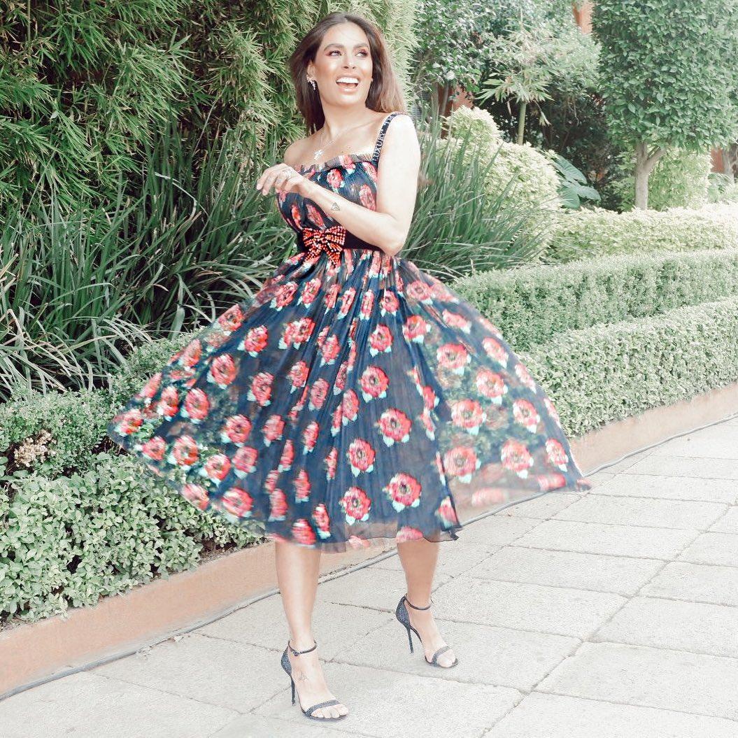 moda para mujeres de 40 años 2019 con maxi vestidos