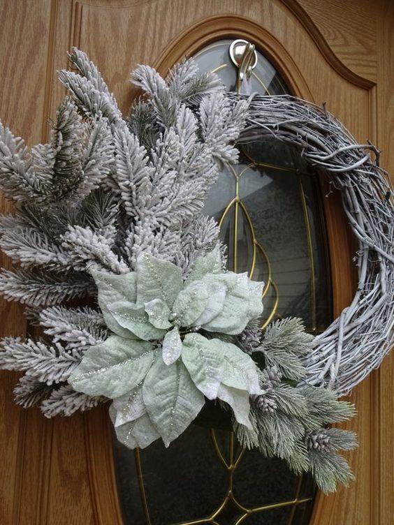 coronas navideñas elegantes en color blanco