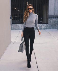 looks con jeans y sacos abrigadores para lucir con estilo en posadas navideñas