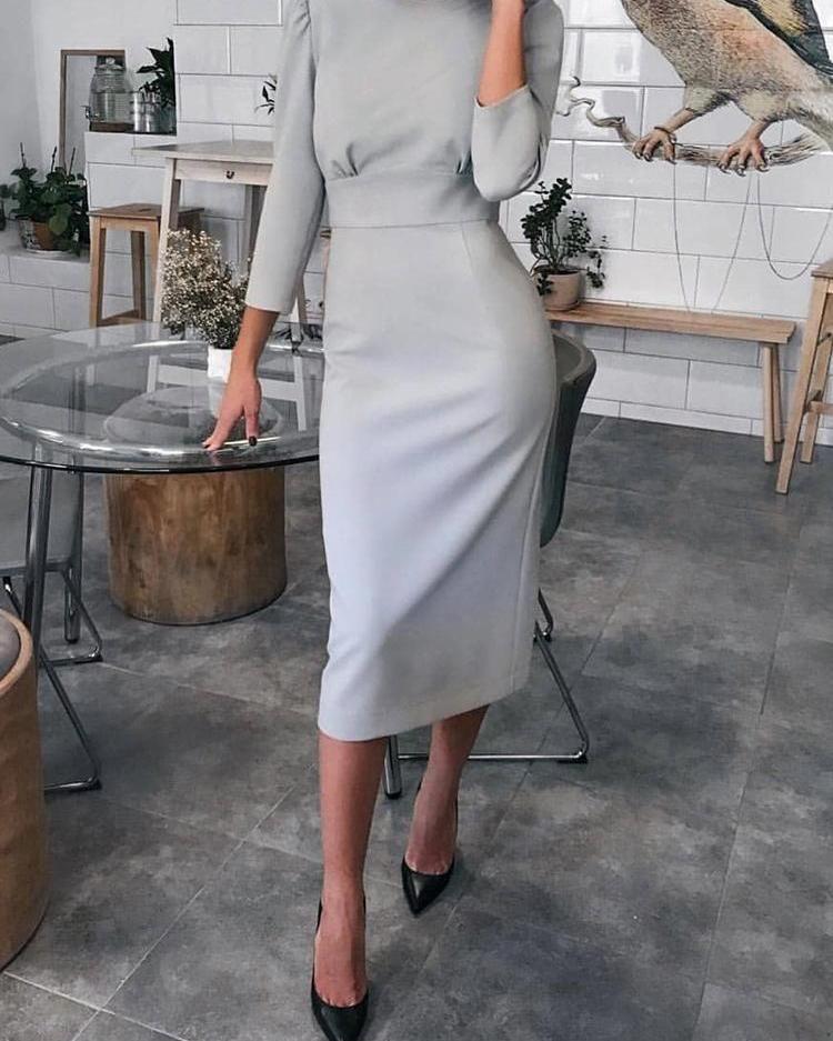 looks con vestidos de oficina color gris