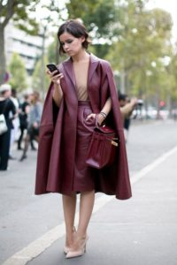 looks en color borgoña para otoño - invierno