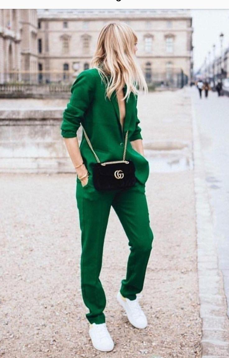 outfits en verde bosque para otoño - invierno