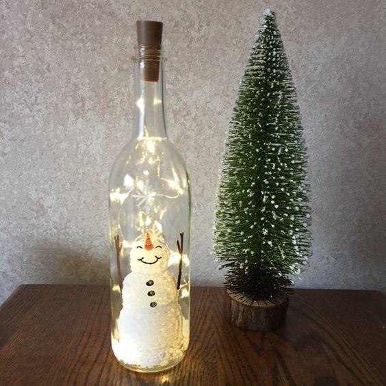 botellas decoradas navideñas con luces