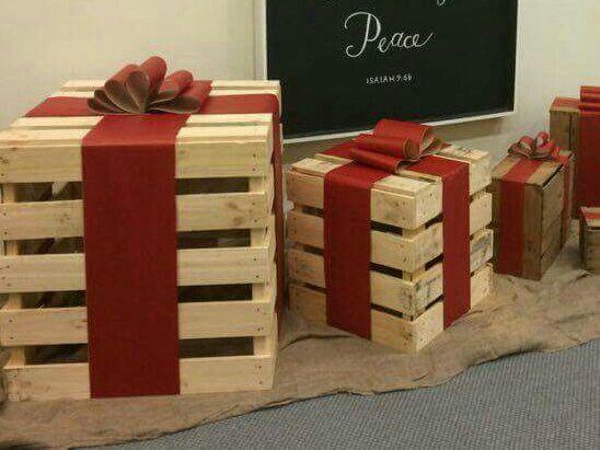 como decorar regalos gigantes para exterior rusticos con luces navideñas