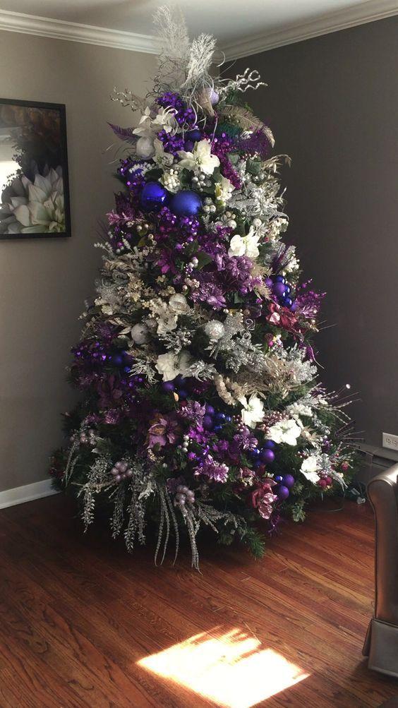 como decorar un arbol navideño con flores de nochebuenas sencillo