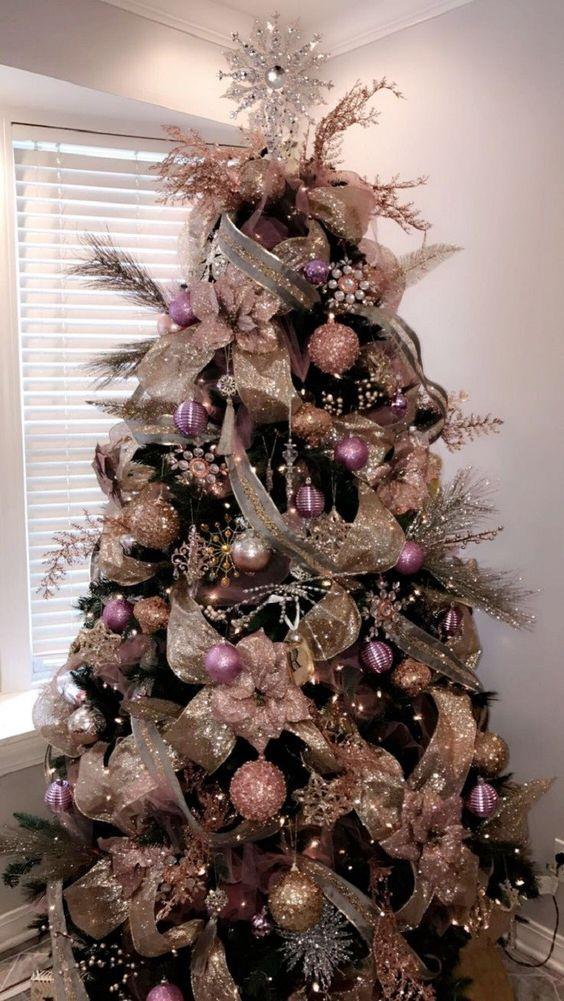 curso gratis para decorar con nochebuenas y flores el arbol navideño
