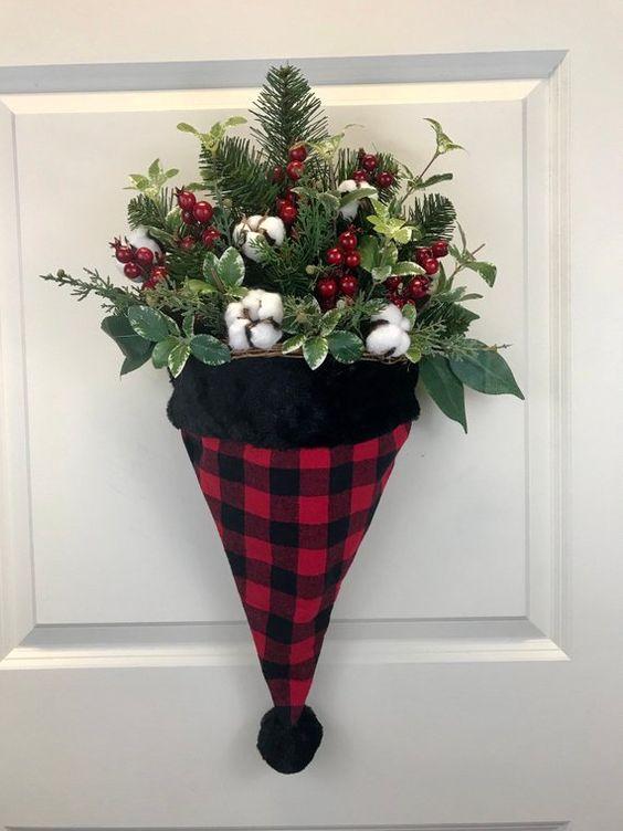 gorros de navidad para puertas de entrada faciles de hacer