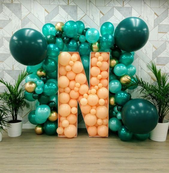 letras de madera con globos tecnica mosaico