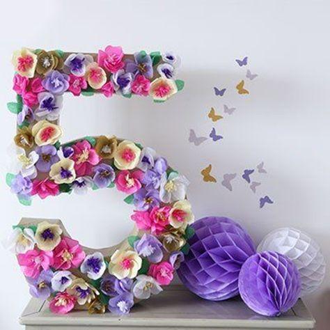 numeros de madera rellenos con flores tecnica mosaico