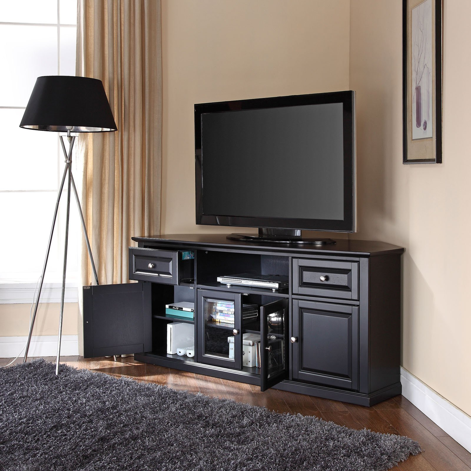 Imágenes de televisiones instaladas en un rincón