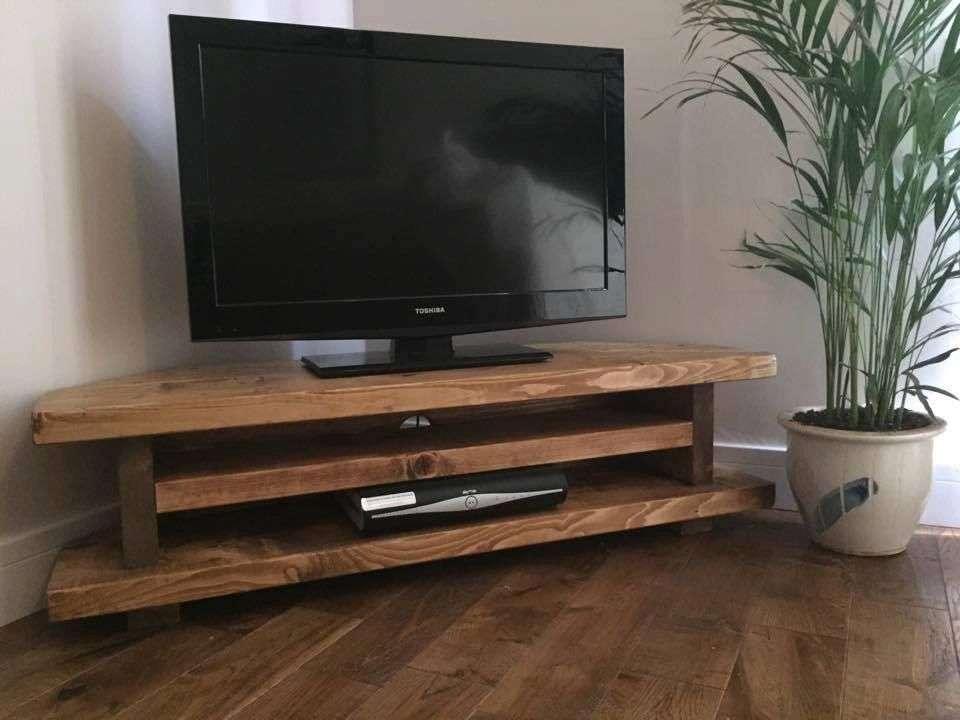 Muebles para poner la televisión en un rincón