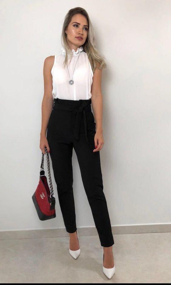 Tacones de punta y pantalón de vestir